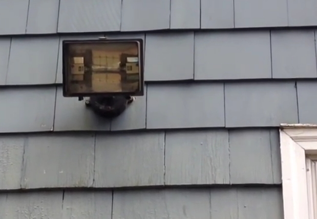 how to replace your old garage flood light with a new halogen light